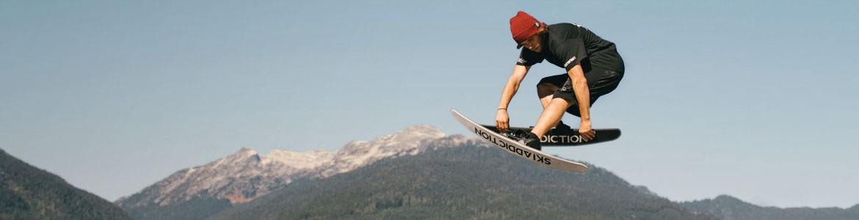 Esquís Freestyle con fijaciones
