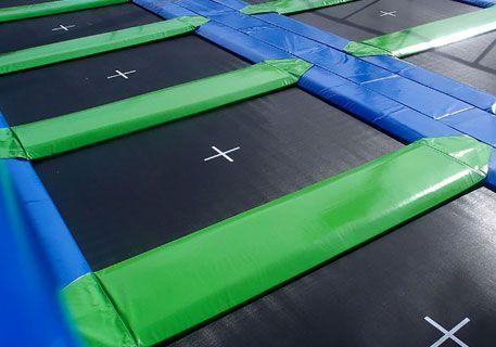 Batterie de trampolines