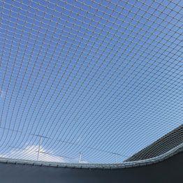 Red a medida para prototipo de multicascos vista desde abajo